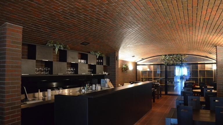 Objednejte si degustační večer v naší hotelové vinárně.