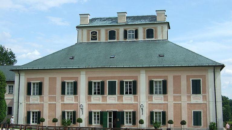 Navštivte státní zámek Ratibořice známý z díla Babička od Boženy Němcové.